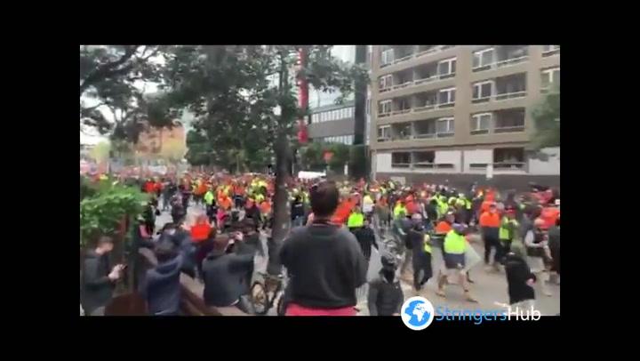 Australian construction workers protest against vaccine mandate
