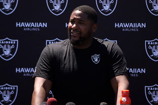 Marshall Newhouse talks challenges of switching over to left tackle for the Raiders