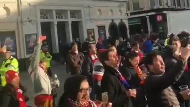 La afición del Atlético se reune en el centro del Liverpool