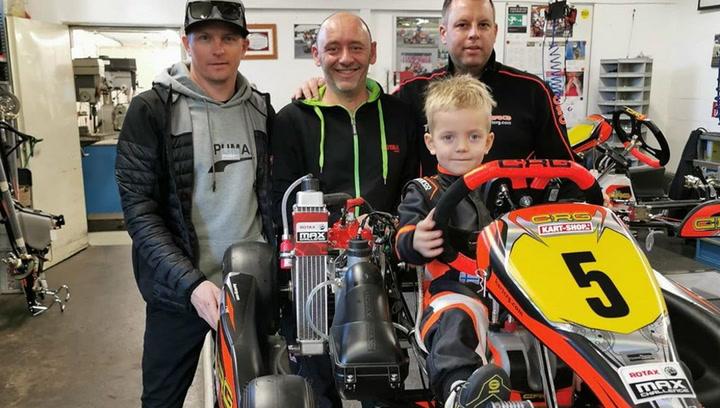 El hijo de Kimi Raikkonen vuela en los karts con solo cinco años