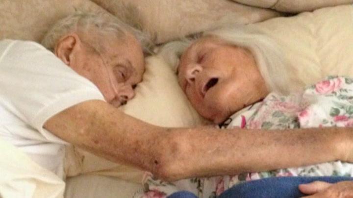 Døde hånd i hånd etter 88 år som kjærester