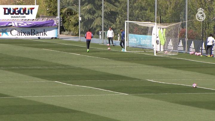 Top Corner Training With Zidane