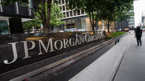 Why JPMorgan Analysts Are Bearish on Bitcoin