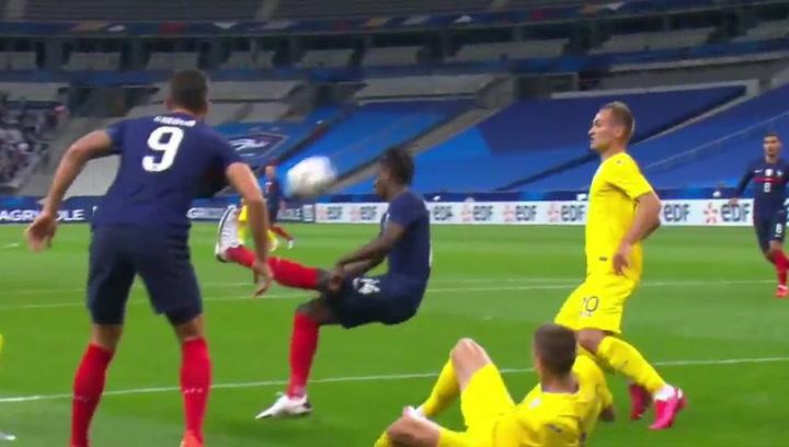 El golazo de Camavinga en su estreno como titular con 'Les Bleus'