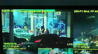 Comienzan los saqueos en tiendas de la colonia Kennedy