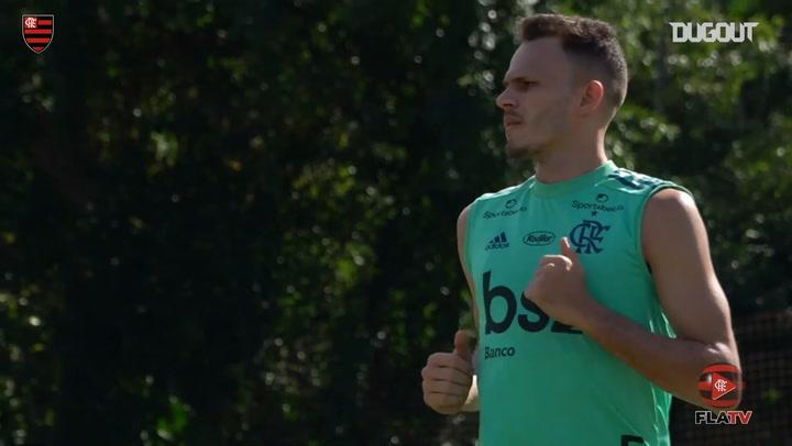 Flamengo stars complete individual drills