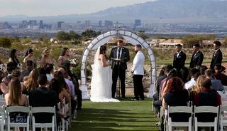 Oct. 1 survivors have wedding – VIDEO