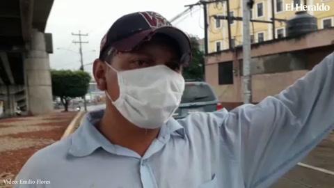La pandemia lo dejó sin trabajo y ahora pide para sobrevivir