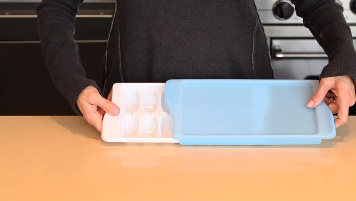 Preview image of OXO Good Grips Ice Cube Tray video