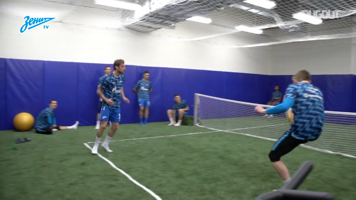 Marchisio Warms Up With Foot Tennis