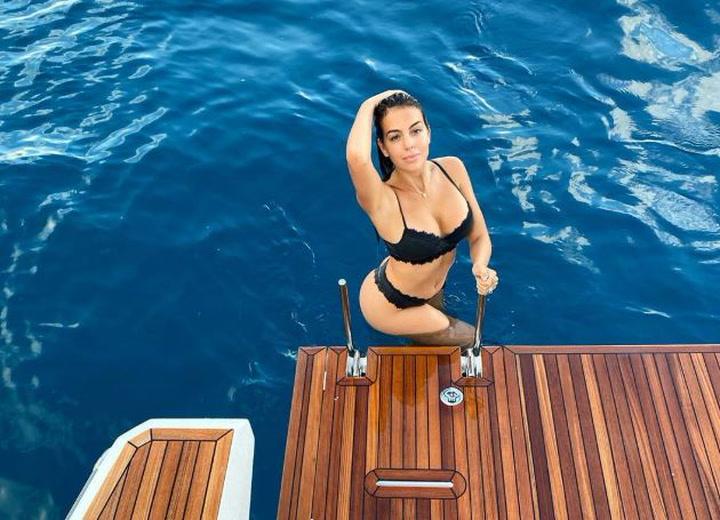 Georgina Rodríguez inauguró el verano con estas fotos en bikini