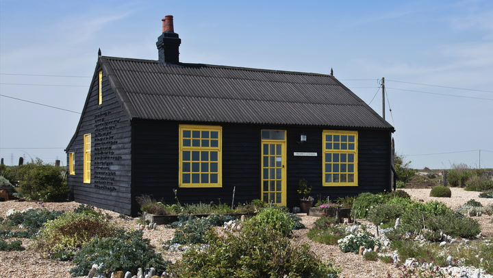 Paint It Black: The Exterior Design Trend That's Taking Over Our Homes