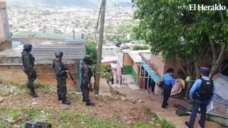A la puerta de su casa llegan a matar a mujer en Altos de Los Laureles