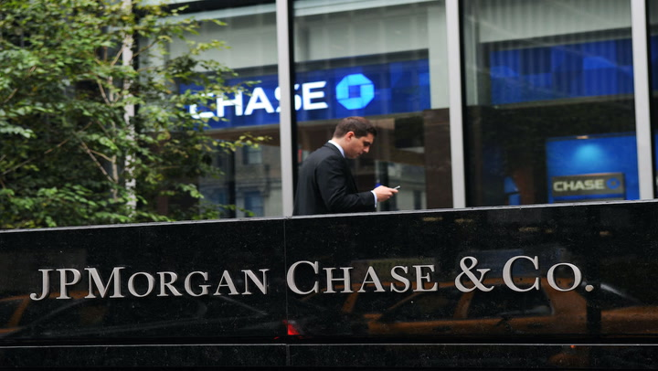 JPMorgan and Other Banks Plan to Issue Credit Cards to People With No Credit