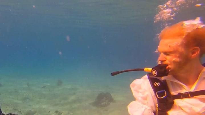 'Dirty Diving', la divertida parodia de 'Dirty Dancing' bajo el agua