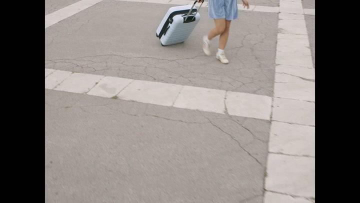 Bekijk hier de trailer van Take Me Somewhere Nice