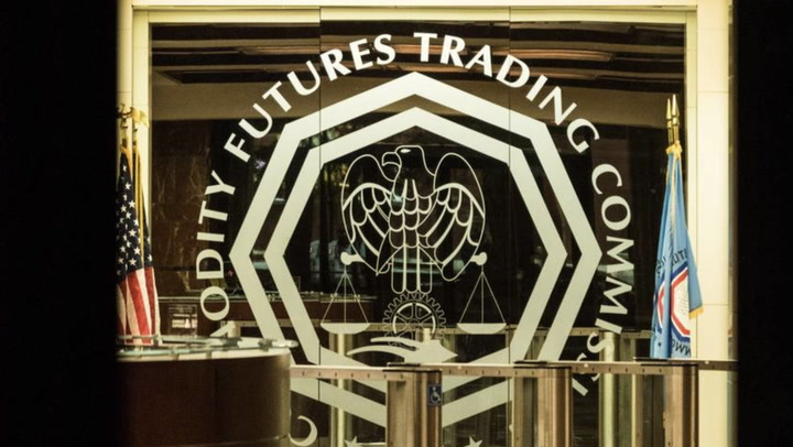 Fmr. CFTC Chairman Calls for Greater Regulatory Oversight of Stablecoins