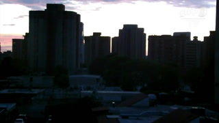 Comercios y escuelas cerradas por apagones en Venezuela