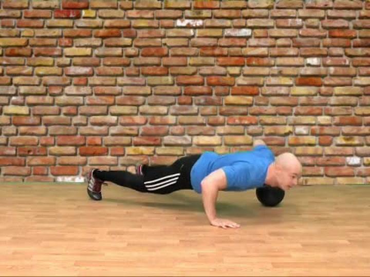 Abilica trening: Hvordan trene pushups med medisinball