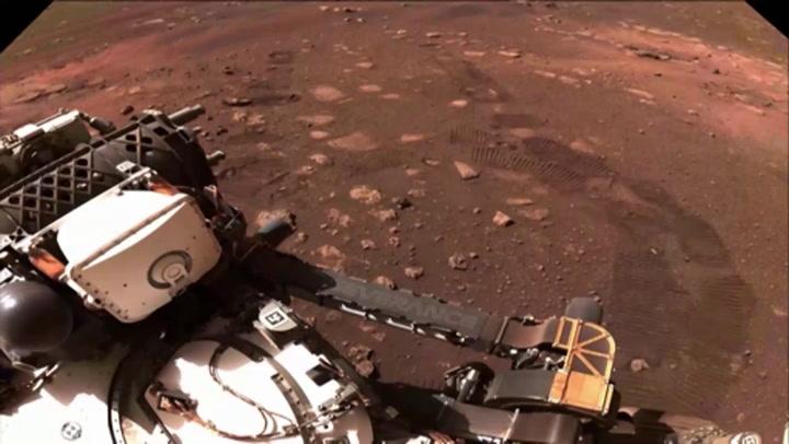 El explorador Perseverance recorre  Marte