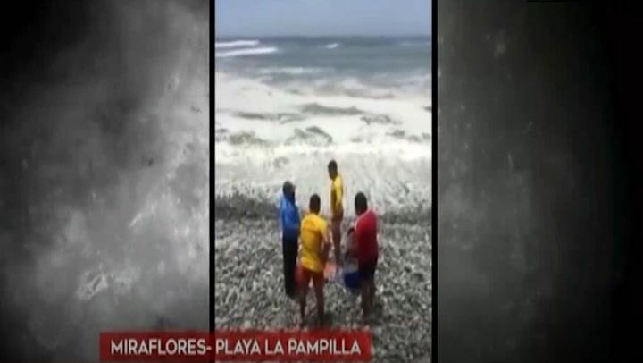 Rescatan a joven que ingresó al mar fingiendo ser tablista