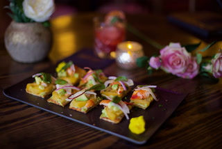 Making lobster and avocado flatbread at Vanderpump Cocktail Garden in Las Vegas – VIDEO