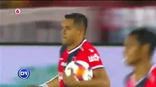 Roger Rojas anotó un triplete con la Liga Deportiva Alajuelense