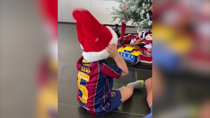 "La familia Busquets activa el ""espíritu navideño"""