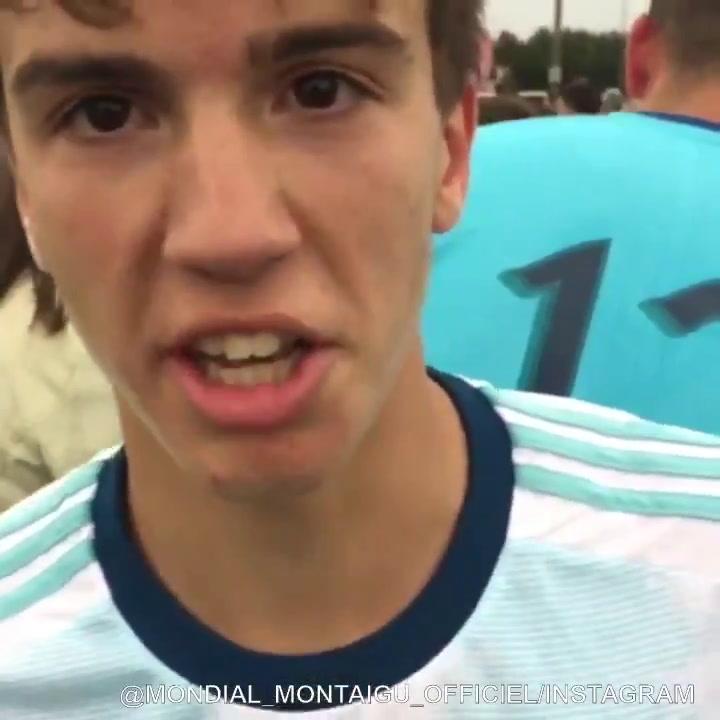 Máximo Perrone tras proclamarse campeón con Argentina en el Mundialito Sub 16 de Montaigu