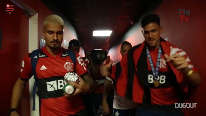 Bastidores da viagem de volta do Flamengo ao Rio após título brasileiro