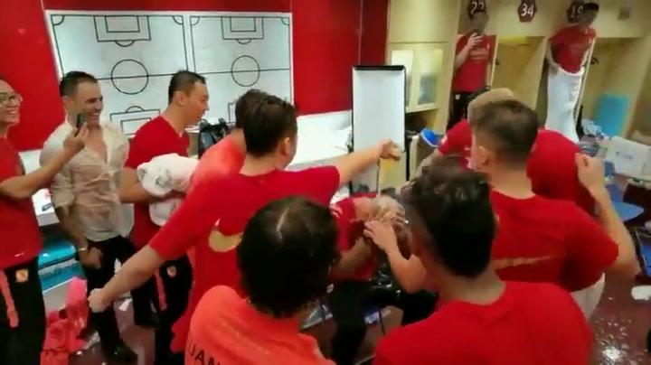 El equipo de Cannavaro tras conquistar la liga china en 2019