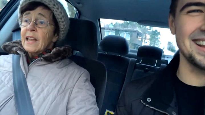 Bestemor (81) fikk seg real heisatur på glattisen: – Stopp! Jeg hopper ut!