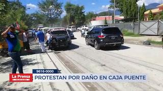 PROTESTAN POR DAÑO EN CAJA PUENTE
