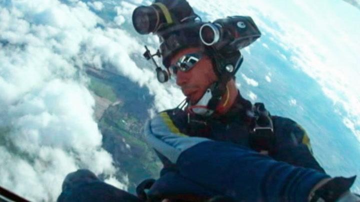 Fallskjermhopper slått i svime i lufta