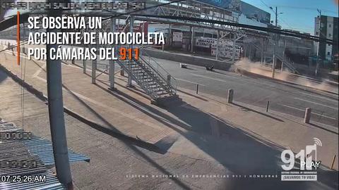 Cámara del 911 capta accidente de moto en Tegucigalpa