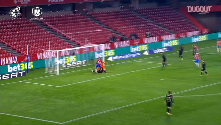 Kenedy's goal vs FC Barcelona