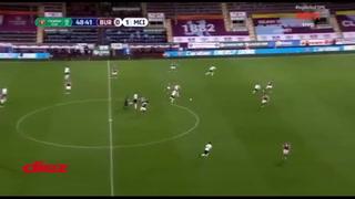 Raheem Sterling en una noche inspirada marca doblete con el Manchester City ante Burnley