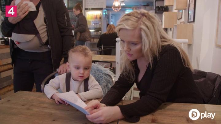 Martinna er i tvivl om, hvorvidt det er okay at præge sit barn til at blive veganer
