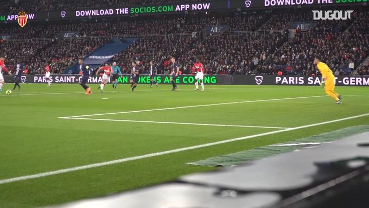 Behind the scenes: Islam Slimani adds emphatic equaliser against Paris Saint-Germain