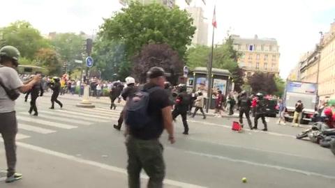 Franceses e italianos protestan contra el certificado anticovid