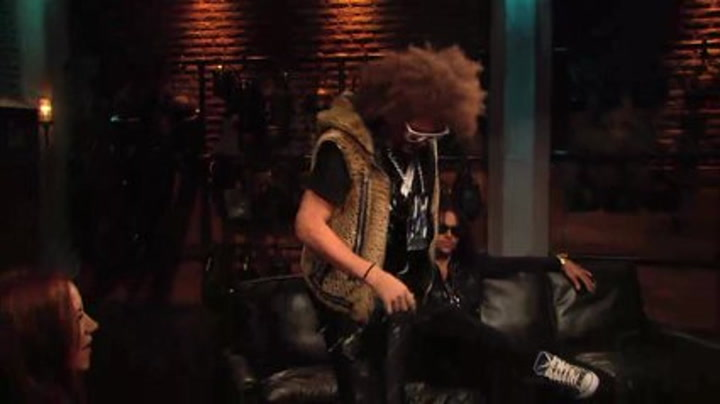 "LMFAO Show Off Their Signature ""Shuffling"" - Fuse Top 20 Countdown"