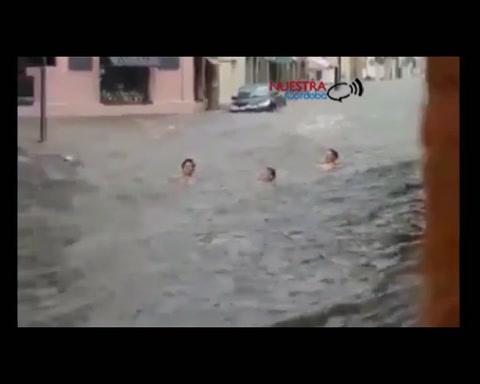 Las calles de Río Cuarto se convirtieron en arroyos tras intenso temporal