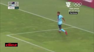 Juan Carlos Obregón se aviva y aprovecha un horror portero-defensa para anotar el empate ante Nueva Zelanda