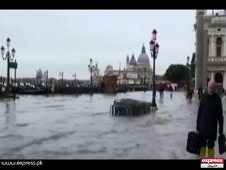 وینس میں بدترین سیلاب کے بعد ایمرجنسی نافذ