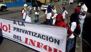 Estudiantes del Infop protestan en bulevar Centroamérica