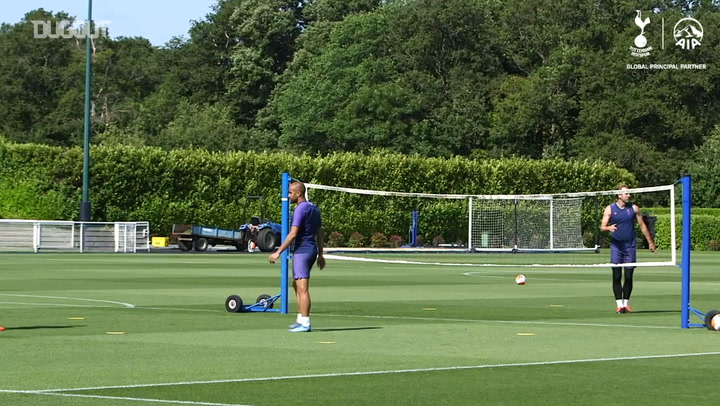 Spurs enjoy a game of head tennis at training