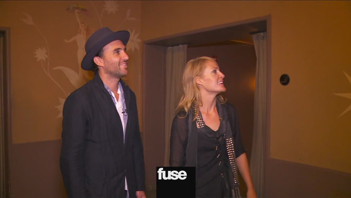 Interviews: Metric Lead A Tour of Radio City Music Hall