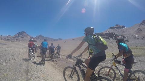 Un grupo de rosarinos cruzó los Andes en bicicleta por el Paso Las Damas