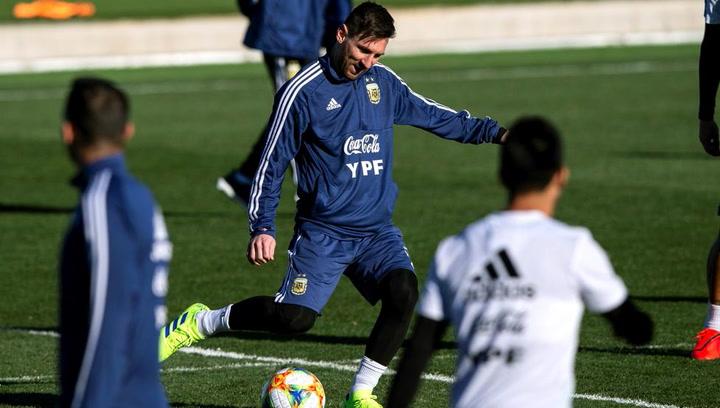 Argentina, pendiente del estado físico de Messi