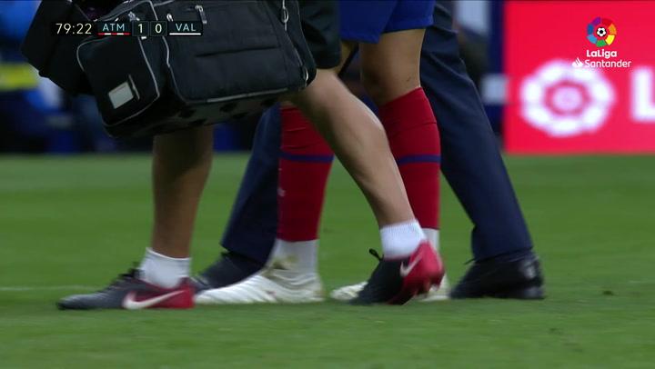 Joao Félix se lesionó en el tobillo y dejó al Atlético en inferioridad ante el Valencia
